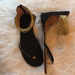 Shoes - Fun flat sandals
